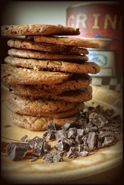 """Ciastka czekoladowe- kruche i """"klejące"""" w środku. Najlepsze!"""