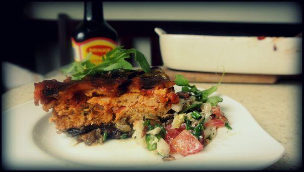Lasagne bakłażanowa z mięsem drobiowym.