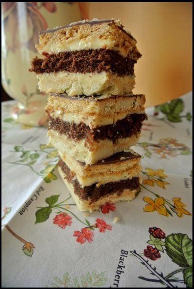 Ciasto waniliowo-czekoladowe z wiśniową nutą.