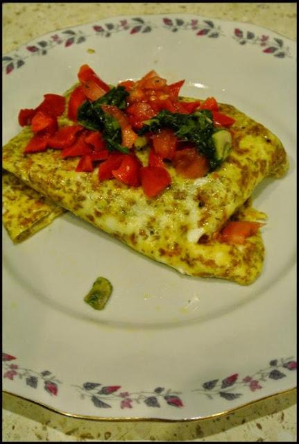 Wrap z omleta – fit kolacja.