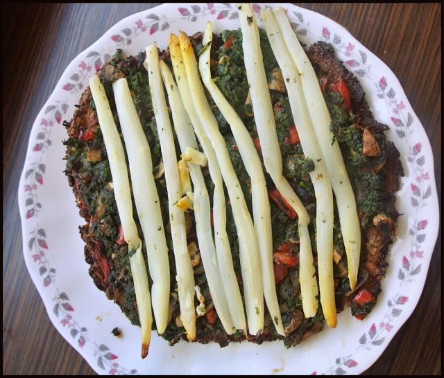 Wegańska pizza gryczana ze szparagami :)