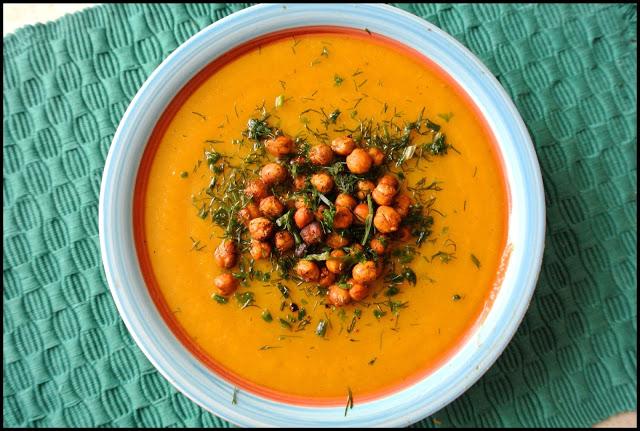 Zupa z dyni z cieciorkowym groszkiem :)