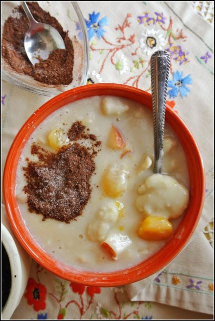 Kluski bananowo-kokosowe na mleku migdałowym