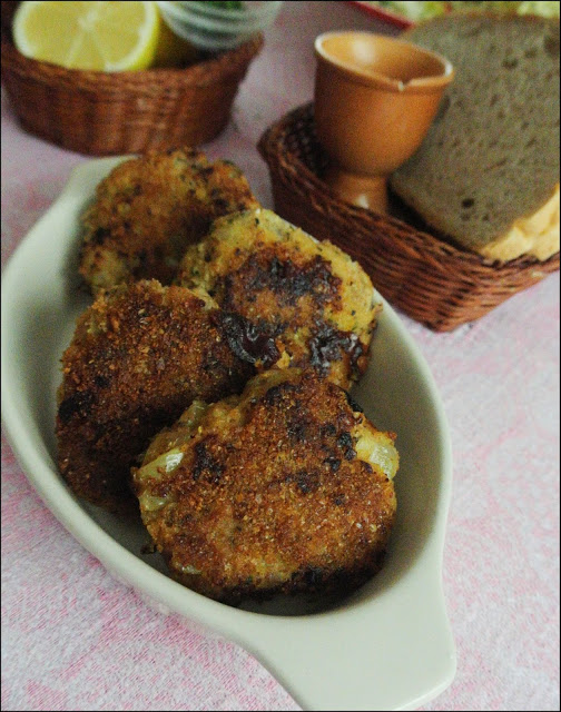 Kotlety z dorsza z cebulką i pieczarkami (bez bułki, jajka)