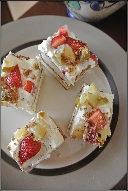 mille feuille przepis, ciasto z kremem i owocami, ciasto letnie