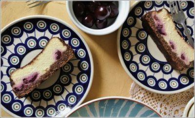 Sernik z wiśniami na czekoladowym spodzie (fit wersja)